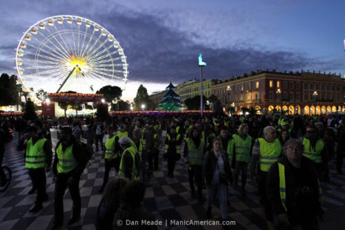 Gilets jaunes protesters amassed at Place Massena.