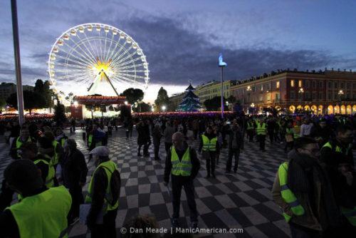 Gilets jaunes protesters amassed at Place Massena.