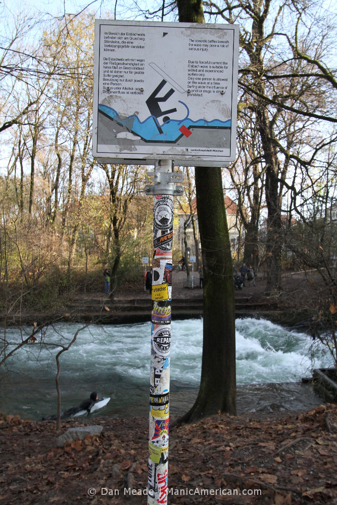 The one regulations sign at Munich's Eisbachwelle river surfing.